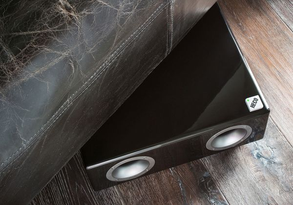 Test Heco New Phalanx 203 F Flachsubwoofer